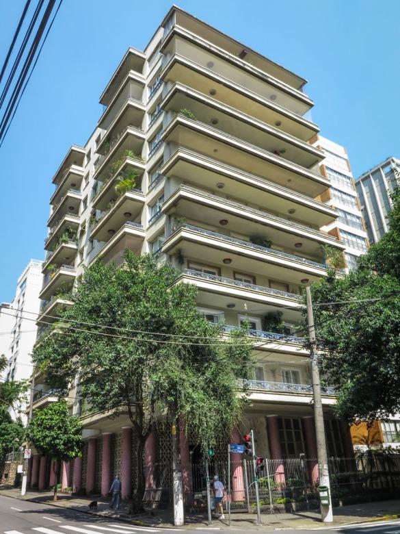 Edificio Cinderela (Artacho Jurado). Inaugurado en 1956.