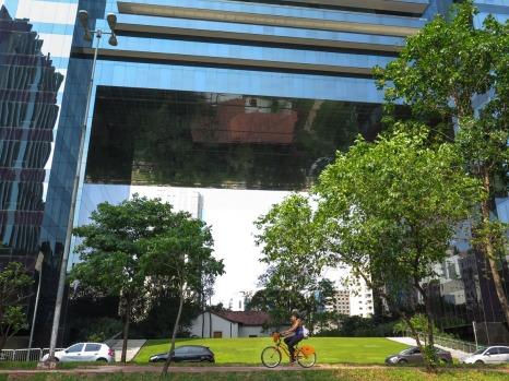 ITAIM BIBI Ciclovía en la Avenida Faria Lima