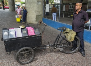 Vendedor de biblias.